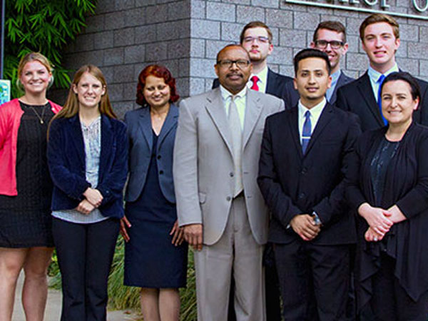 Student Data Mining team with Boeing staff in front of CBA