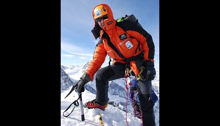 Ranulph Fiennes scales Mt. Everest